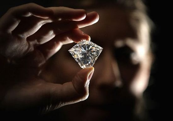 Diamond Shopping? Why the GIA Certificate Matters