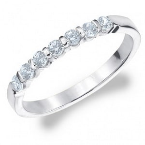 Bar setting diamond ring