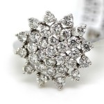 Cluster setting diamond ring