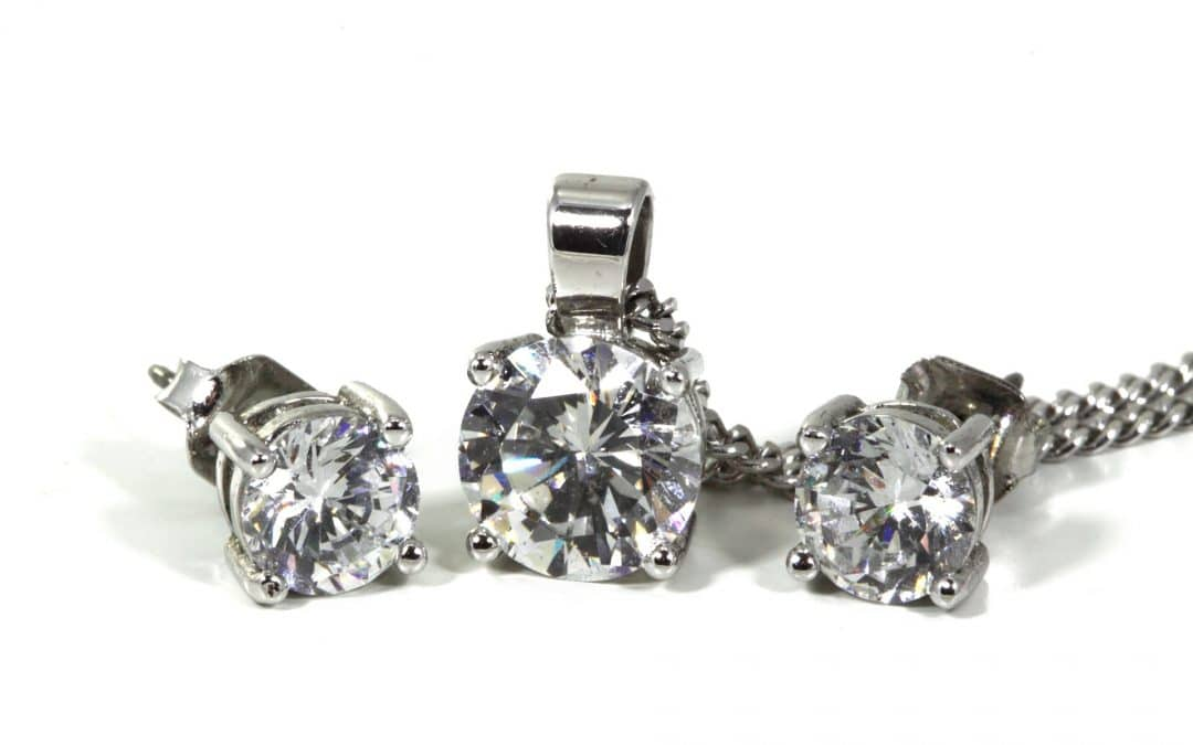 Diamond Earrings: A Timeless and Perfect Gift