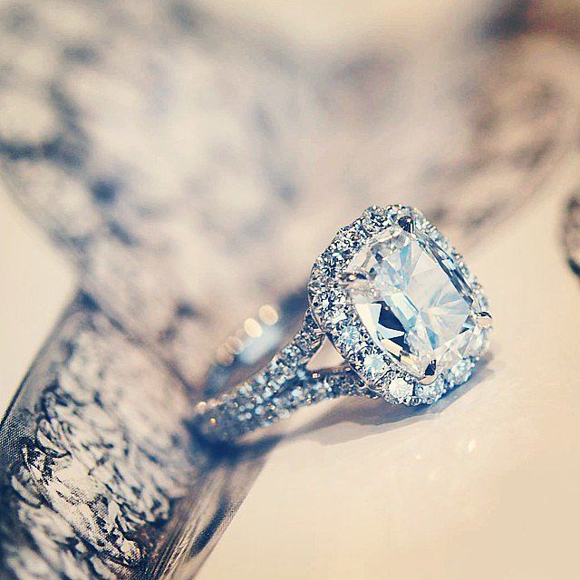 The Difference Between Simulants and Man Made Diamonds
