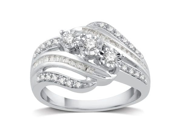 7 Cheap Diamond Engagement Rings and Where to Find Them