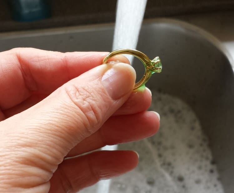 rinsing diamond ring