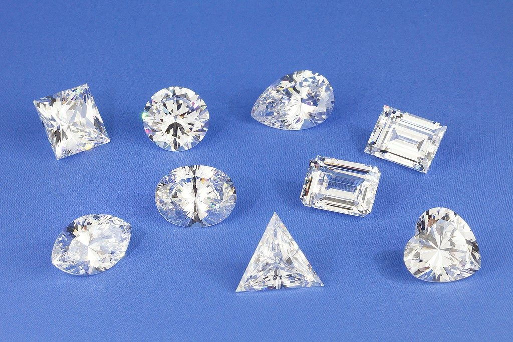 Compare Diamond Shapes: Is the Asscher Cut the Best Cut of All?