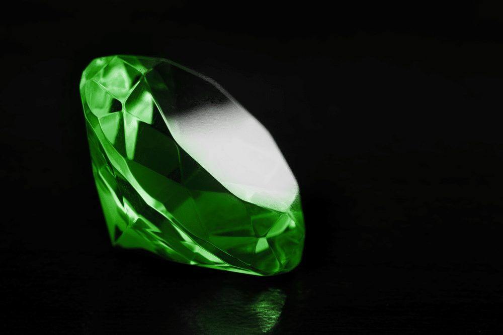 Green Diamond: Price, Type Of Designs, And Meaning