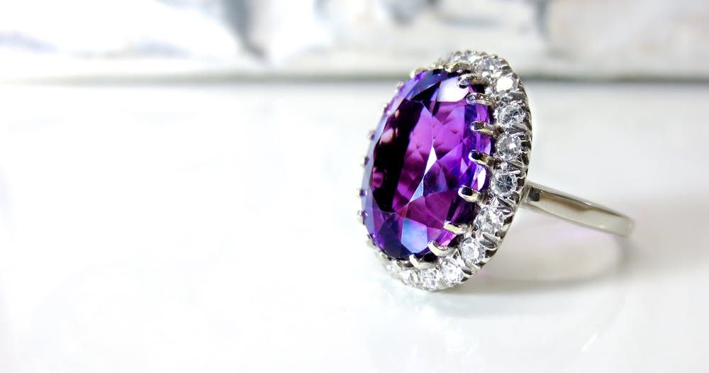 amethyst engagement ring trends